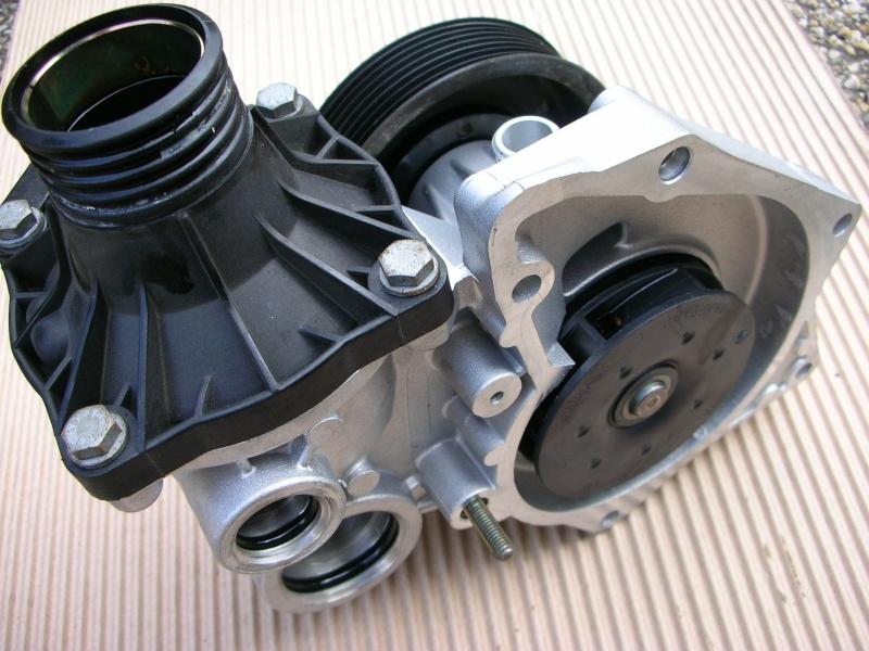 changement pompe a eau V8  Dscn8836