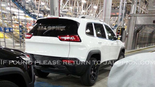 Scoop : futur Jeep Cherokee, une gueule surprenante  56328710