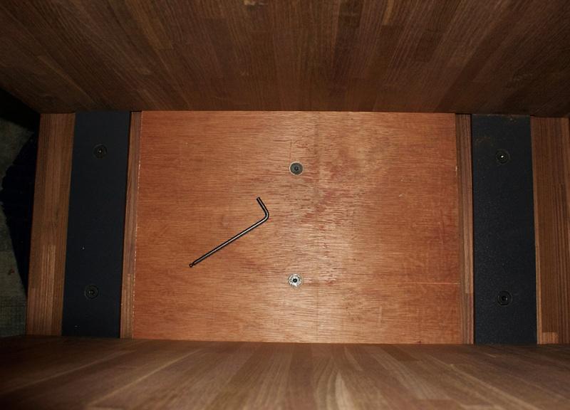 [Fabrication] Un bureau contemporain et simple…  - Page 6 Caisso10