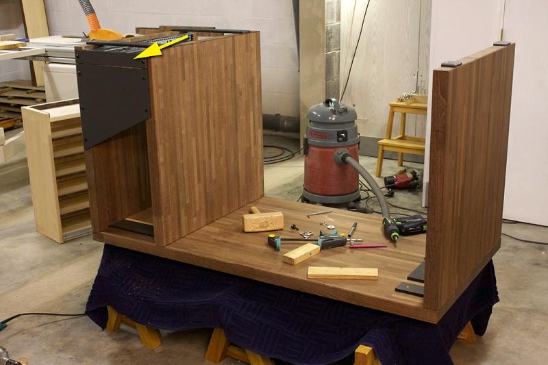 [Fabrication] Un bureau contemporain et simple…  - Page 6 Pose-d10