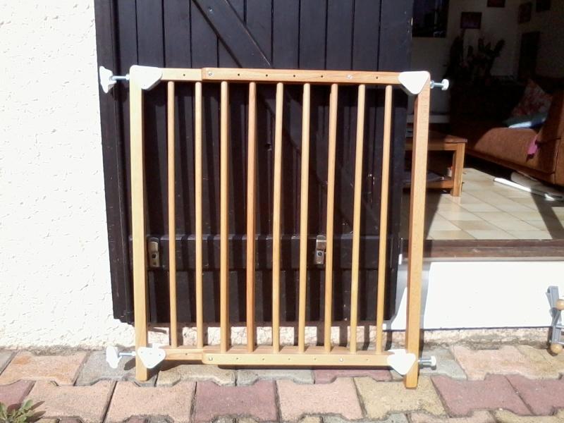 Vendue : Barrière de sécurité en bois réglable Barria10