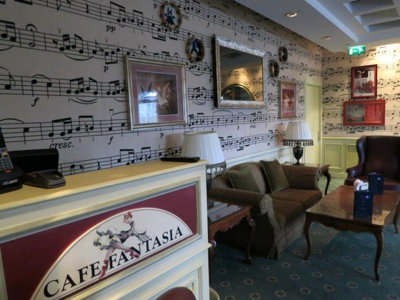 Fantasia Café - Page 4 Cf810
