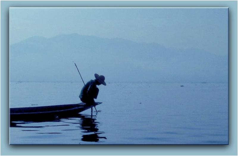 contre jour au lac Inle P1310210