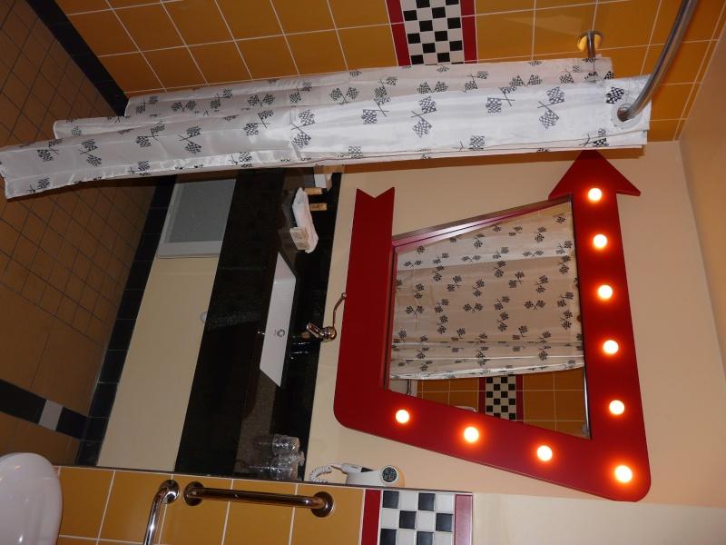 [Hôtel Disney] Disney's Hotel Santa Fe - Page 5 P1120922