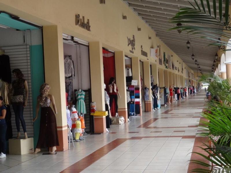 Clothing town Dsc03921