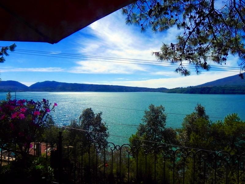 Lake Zirahuen Dscn5013