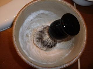 test blaireau maison du barbier + savon maison du barbier P1000415