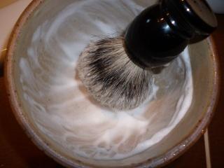 test blaireau maison du barbier + savon maison du barbier P1000417