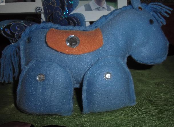 petit cheval L12