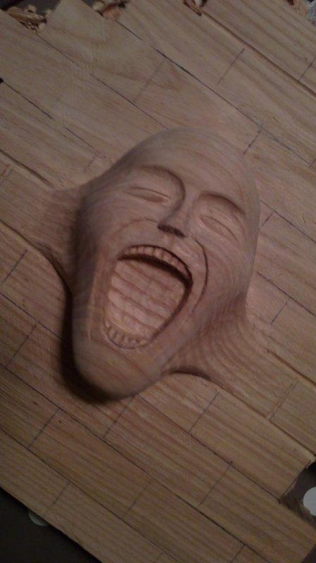 petite question sur un visage en bois The_wa11