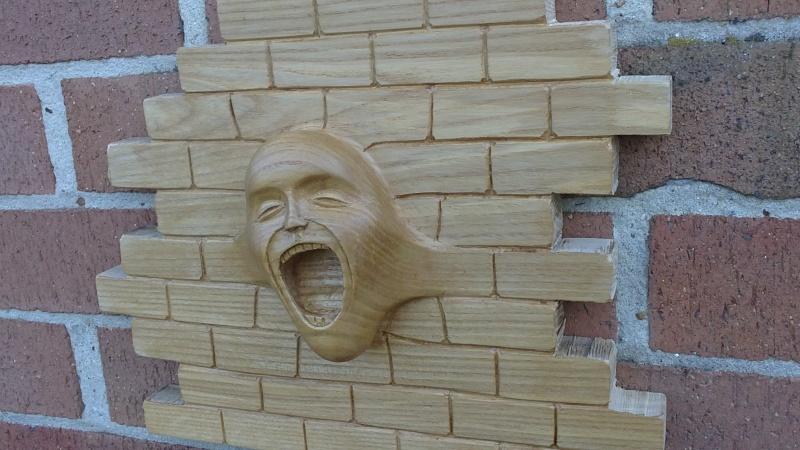 petite question sur un visage en bois The_wa23