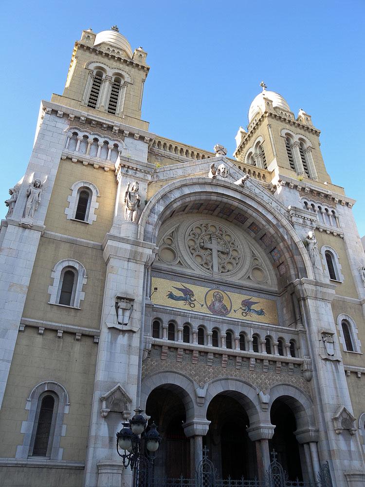 Tunis - Cavaillé Coll Mutin (?) Cathédrale Saint Vincent de Paul et Sainte Olive Dscn1310