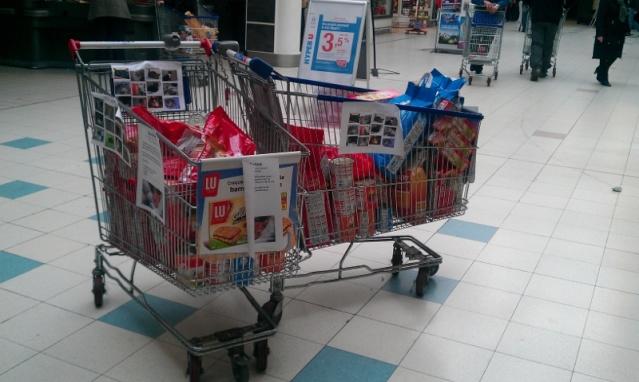 Collecte de nourriture, Hyper U d'Abbeville, le 6 avril 2013 :) Imag0312