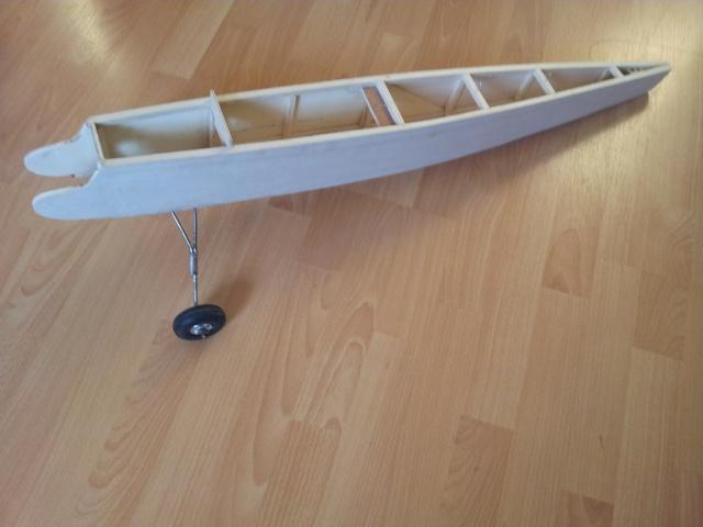 construction de mon premier avion, un Bizuth - Page 3 20130410