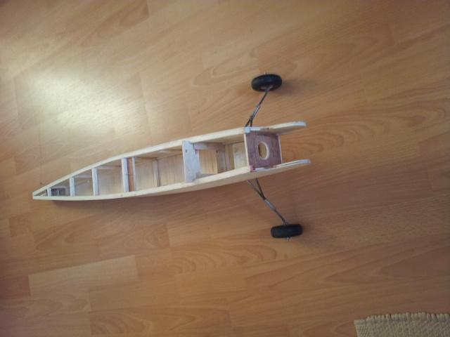 construction de mon premier avion, un Bizuth - Page 3 20130411