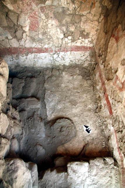 Un bouclier à plumes rituel trouvé dans un temple au Pérou Autel_10