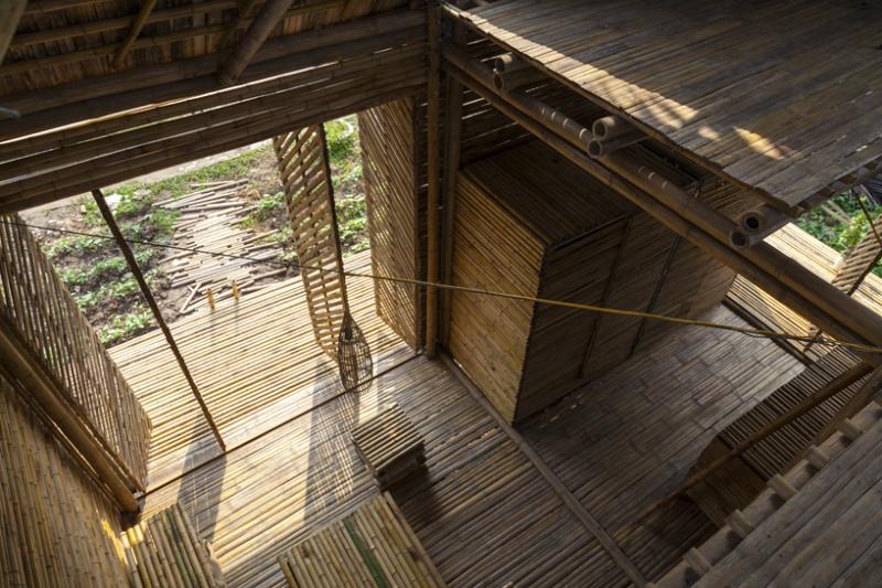Cette maison faite de bambou, résiste aux inondations Maison11