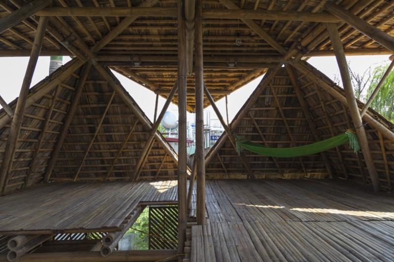 Cette maison faite de bambou, résiste aux inondations Maison13