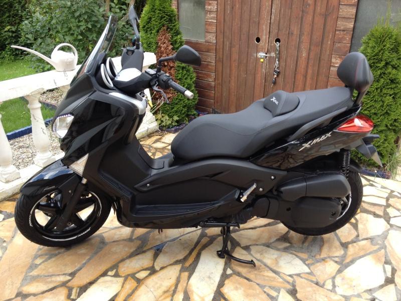 Vends X-max 2012 Black. Xmax111