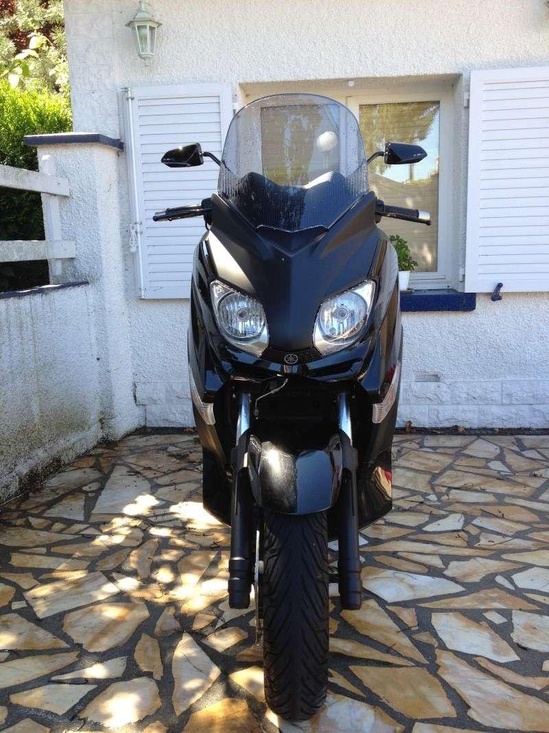 Vends X-max 2012 Black. Xmax_410