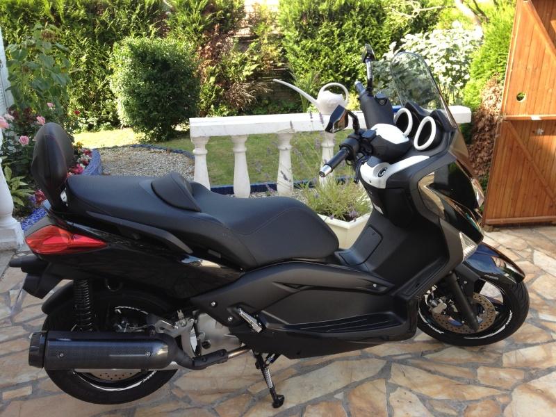 Vends X-max 2012 Black. Xmax_710