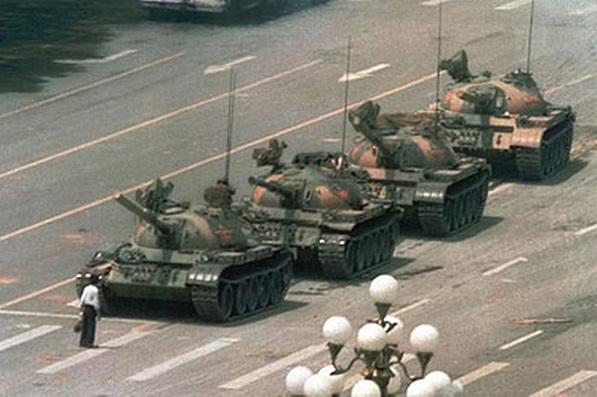 [2013.08.27] L'Edito d'Howard Puscifer Lovecrash N°4-Vous êtes seul ou accompagné? Tank10