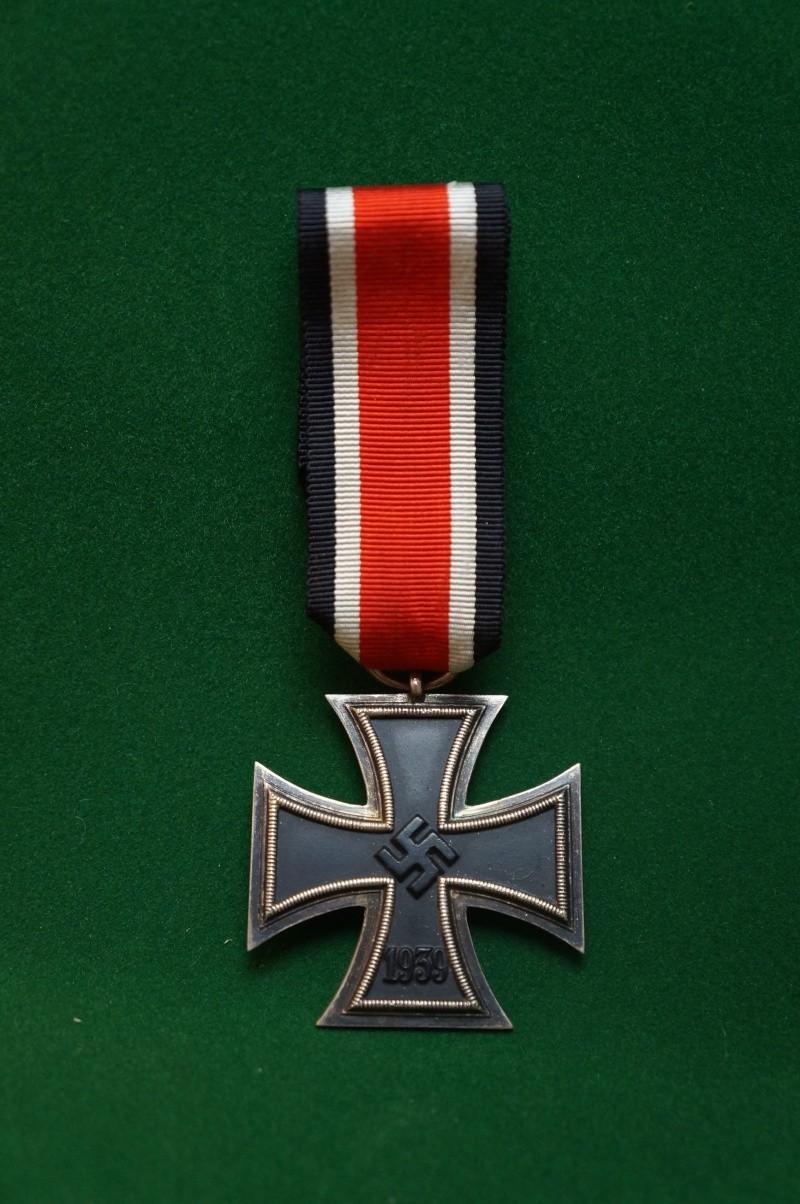 Vos décorations militaires, politiques, civiles allemandes de la ww2 - Page 2 Dsc00413