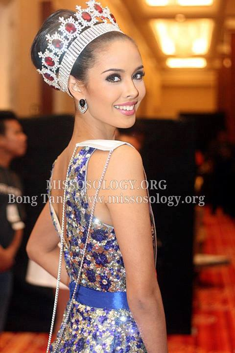 Megan Lynne Young (PHILIPPINES 2013) 99863510