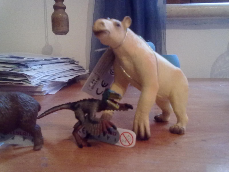 My Bullyland animals arrived today, Velociraptor question 04092013