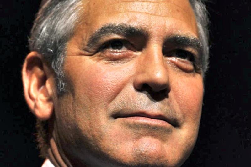George Clooney George Clooney George Clooney! - Page 13 28747510
