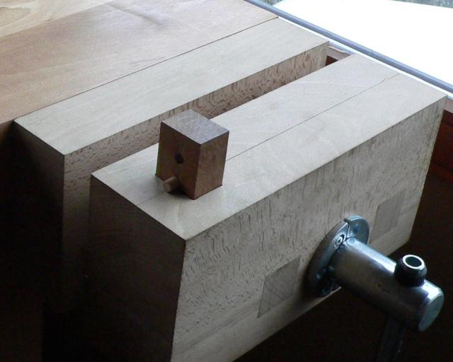 Stage menuiserie : construction d'un établi - Page 5 P1010835