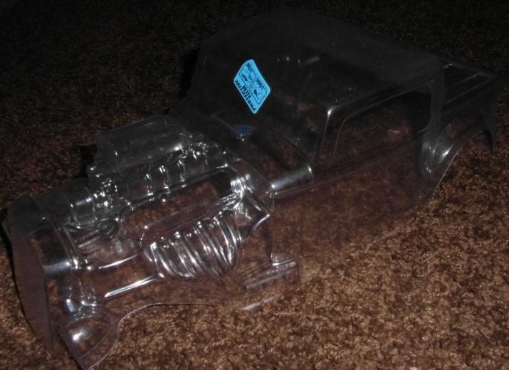 Carro pro-line hot rod 1/8 Casque10