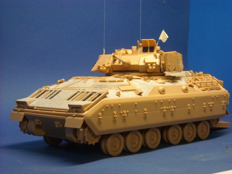 Bradley M-2 avec intérieur complet (TAMIYA 1/35°) Dscn3629