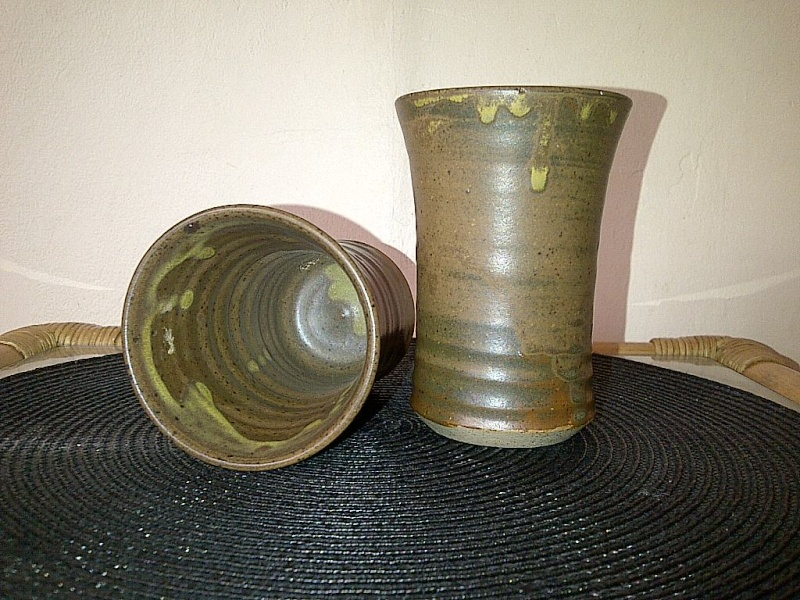2 stoneware cups with alien face mark - Pat Connor, Ireland  Img-2100
