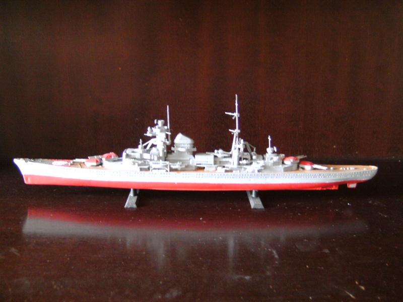 Admiral Hipper von Revell Masstab 1:720 Pict0011