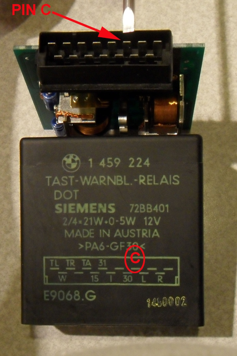 Hazard warning switch : light bulb Board_10