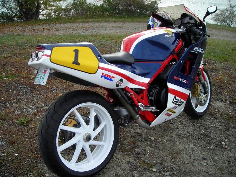 RVF 1000 R Rvf10011