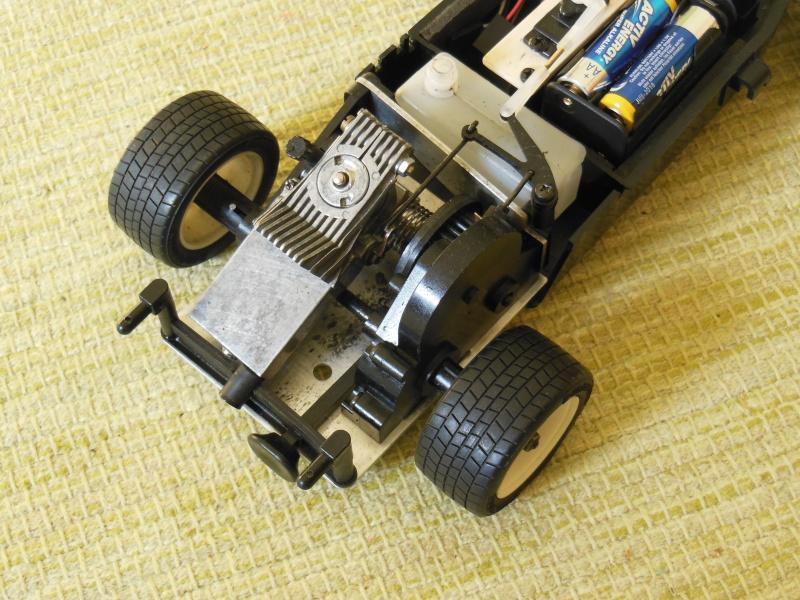 Kyosho .049 Cox VW Beetle / Mini Cooper Dscn3912