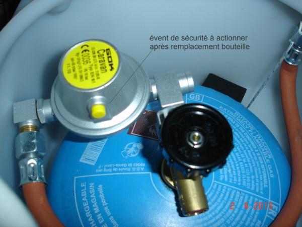 Montage gaz sur MP Viano 2011 livré sans bouteille/robinet - Page 3 Datend10