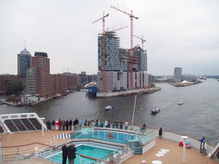 Queen Mary 2 - weitere Bilder  Leavin16