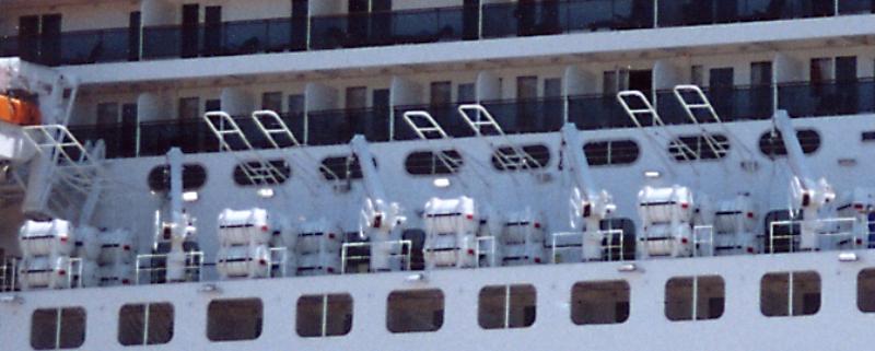 Queen Mary 2 in Lissabon Qm2_1211