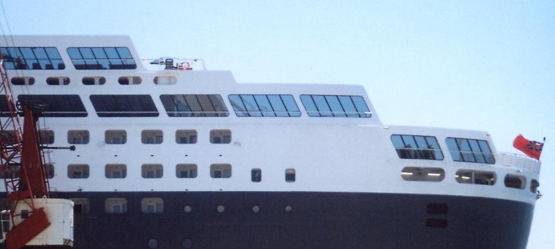 Queen Mary 2 in Lissabon Qm2_1311