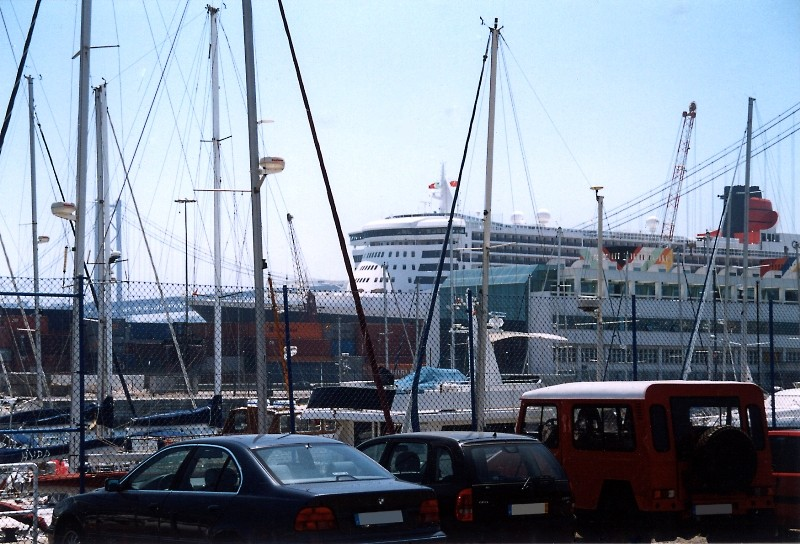 Queen Mary 2 in Lissabon Qm2_1410