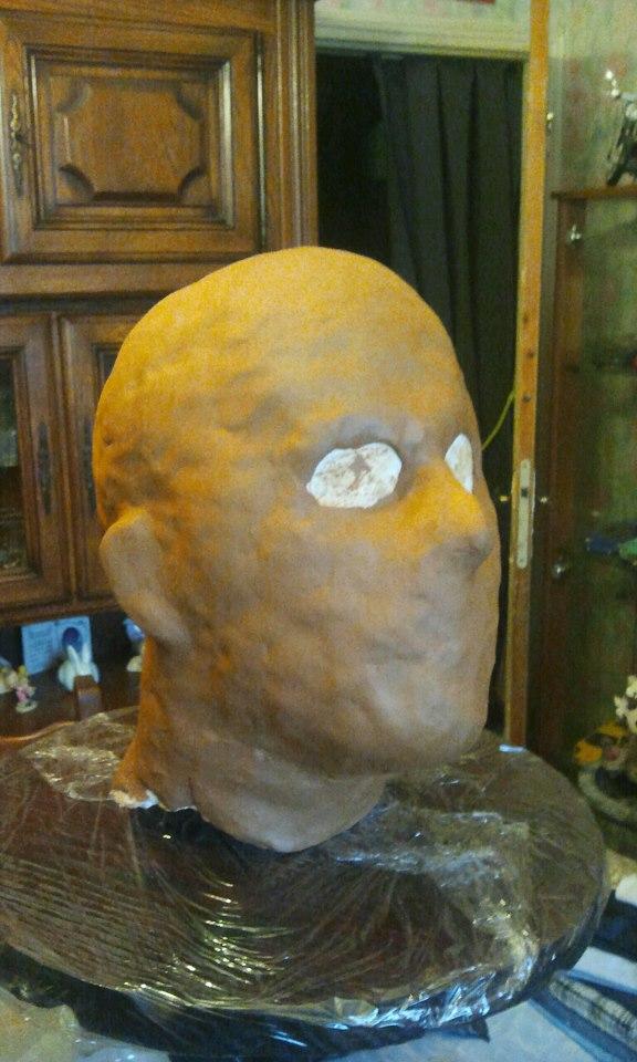 Ma premiére sculpture et réalisation d'un masque en latex  46797_10