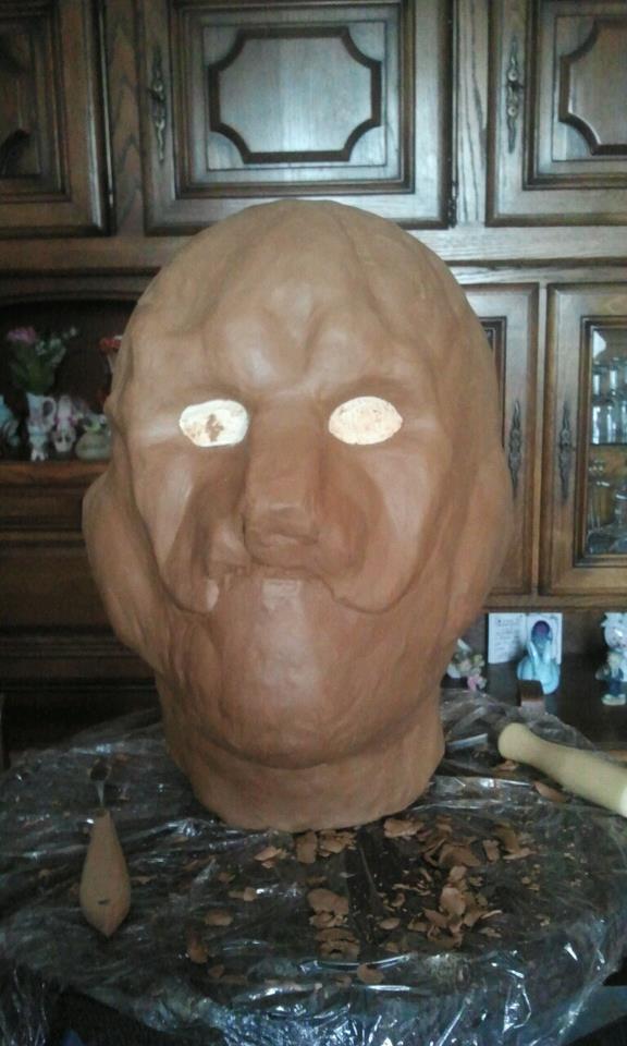 Ma premiére sculpture et réalisation d'un masque en latex  52486810