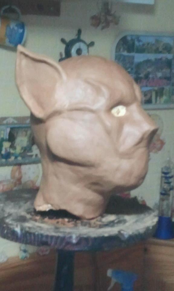 Ma premiére sculpture et réalisation d'un masque en latex  55150110