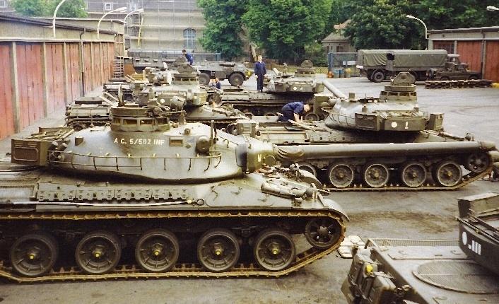 AMX 30 : marquages de tourelle Chars_11