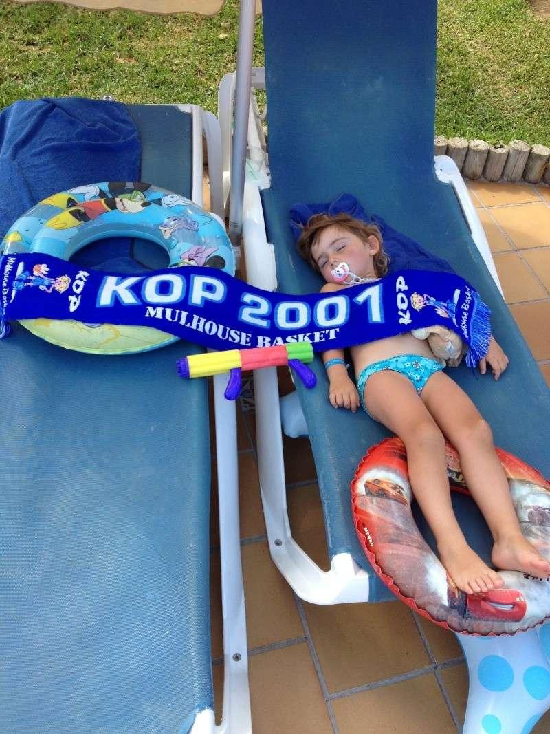 [Vacs] Vos photos de vacances avec l'Echarpe KOP 2001 à l'honneur Img_2125