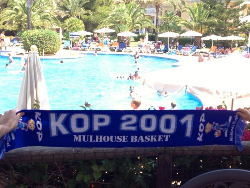 [Vacs] Vos photos de vacances avec l'Echarpe KOP 2001 à l'honneur Img_2127