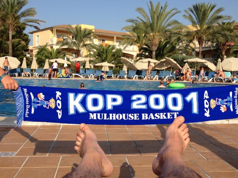 [Vacs] Vos photos de vacances avec l'Echarpe KOP 2001 à l'honneur Img_2212